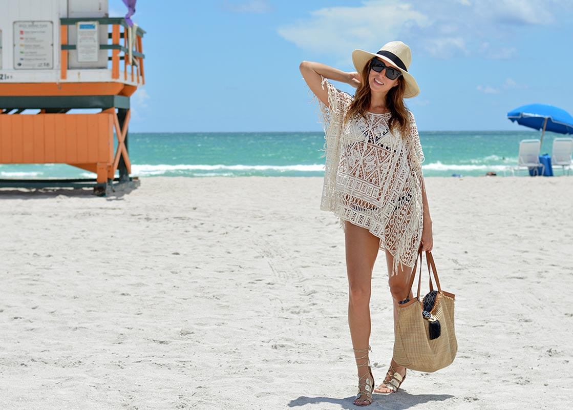 Sydne-Style-shows-cute-beach-coverups-with-LSpace-crochet-tunic