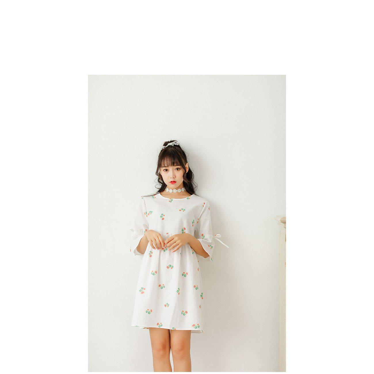 """Dainty Flowers"" Dress"