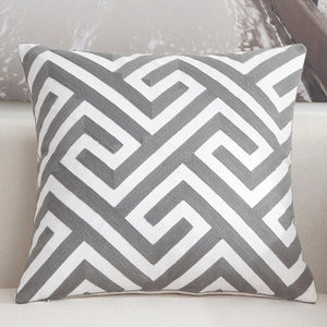 Scandinavian embroidery cushion cover - grey - Maze - Indimode