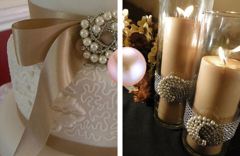 Pearl brooches are used to create a beautiful vintage theme.