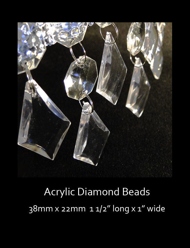 A close up look at the acrylic beads.