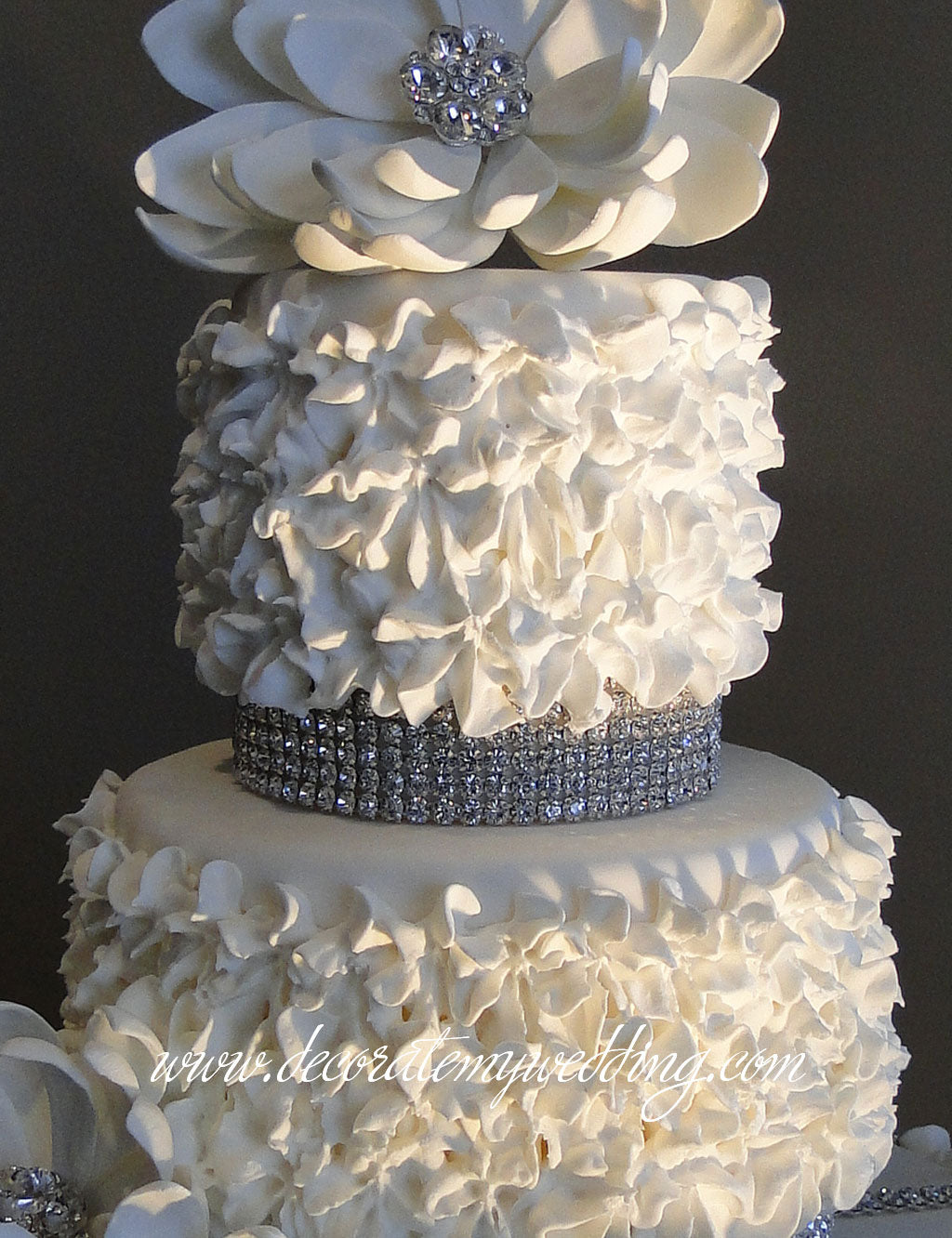The ruffles look so real that our artificial cakes will look totally real when displayed at your wedding.