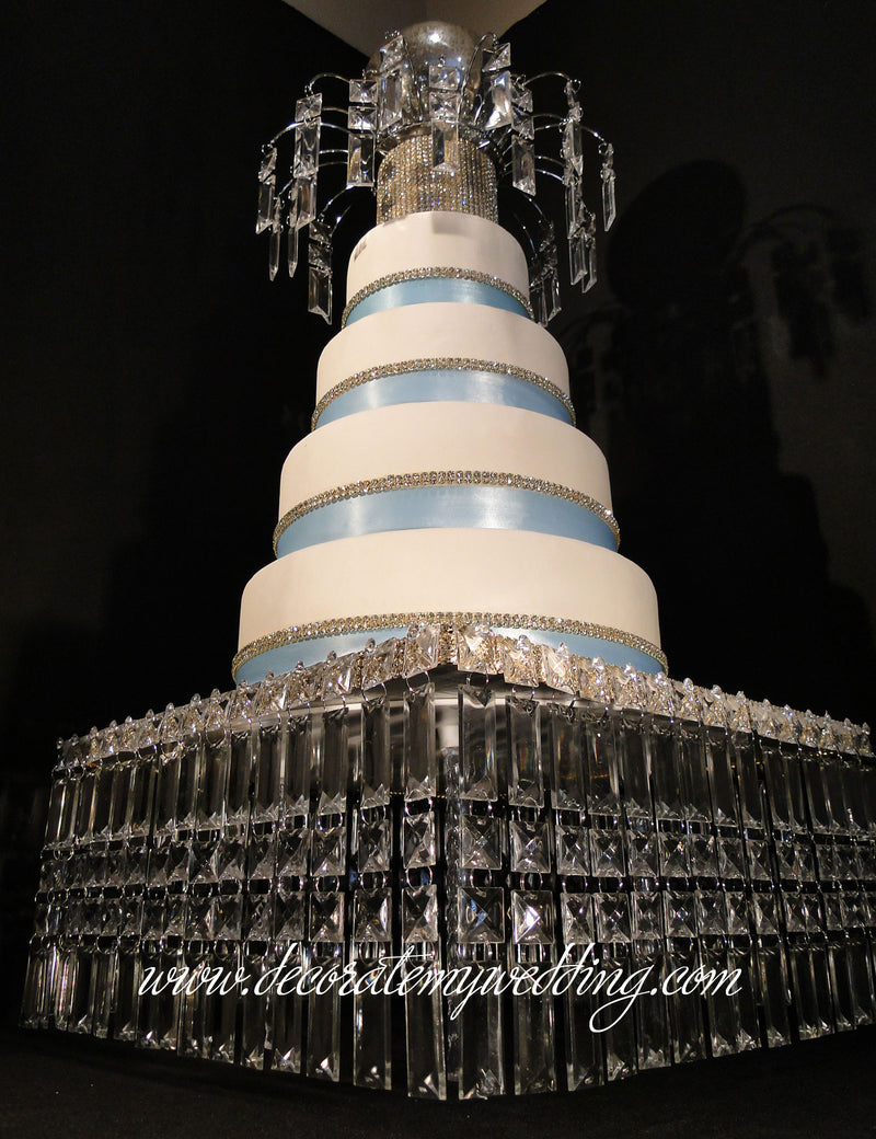 This stunning prism cake holder design is a complete showoff!