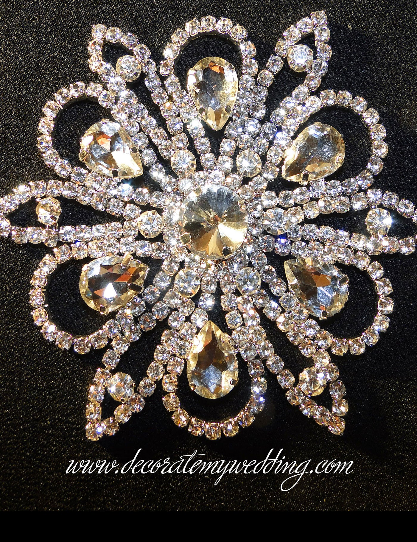 Lovely Diamante Brooches Pack Of 6 Wedding Bridal Bouquet Decoration Jewellery Wedding Supplies