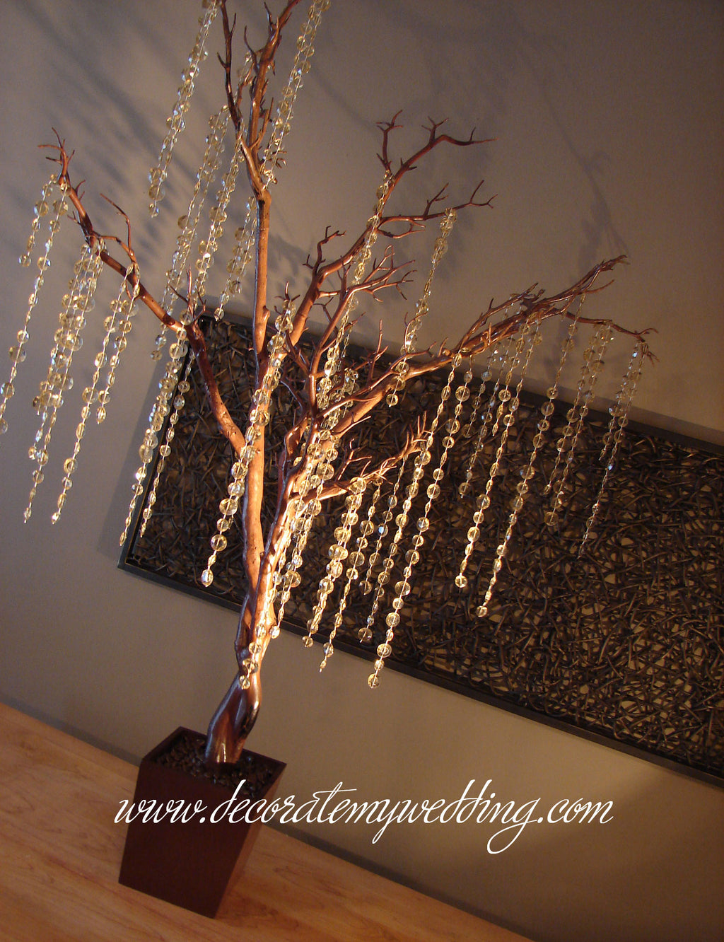 Our brown tree with light amber beads make a perfect champagne tree.