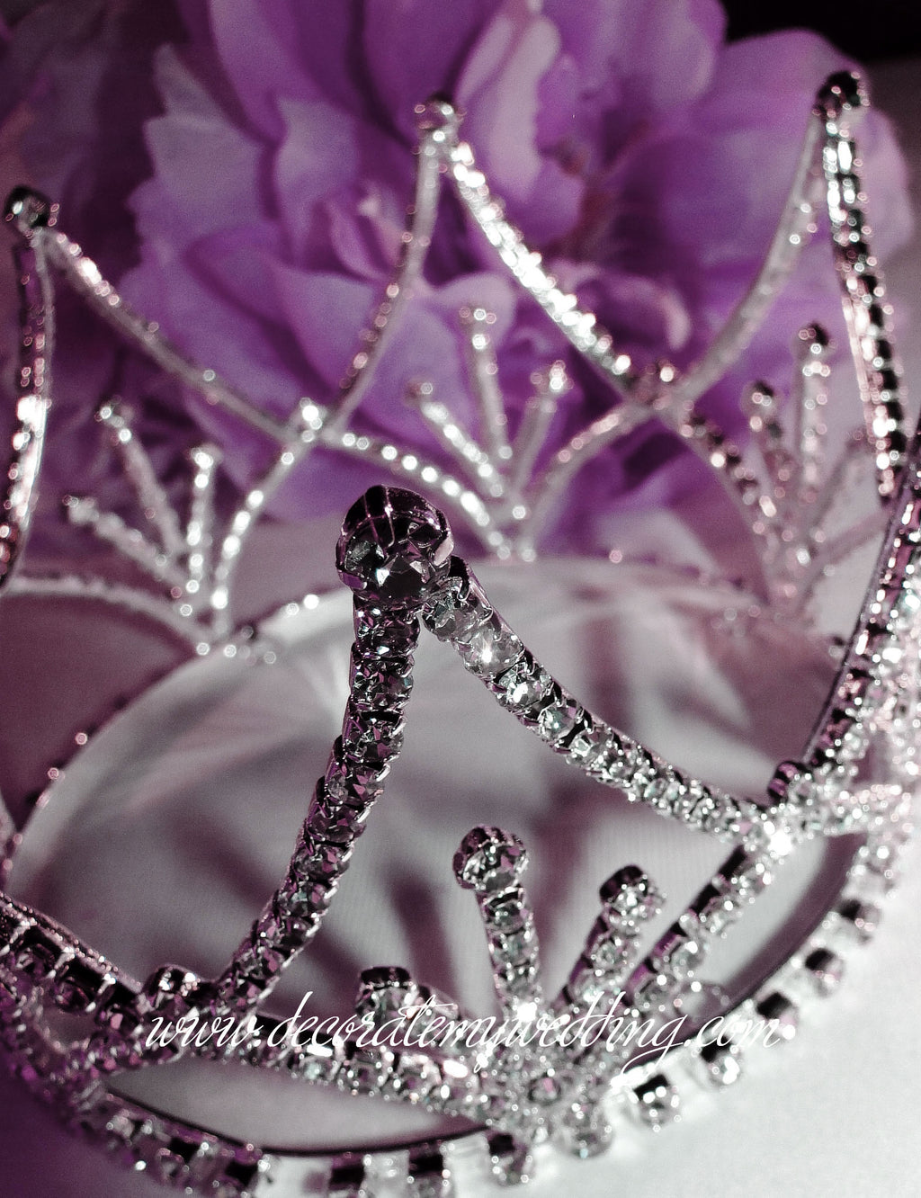 This crown decoration is a perfect topper for that princess-themed event.