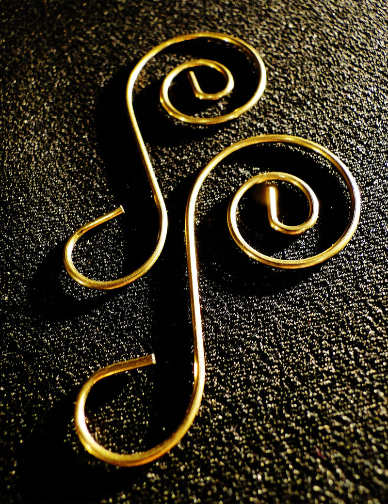 Gold Decorative Spiral Hook