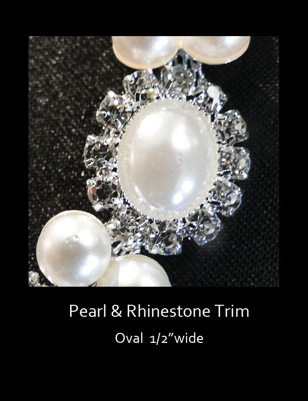 A close up look at the oval pearl design.