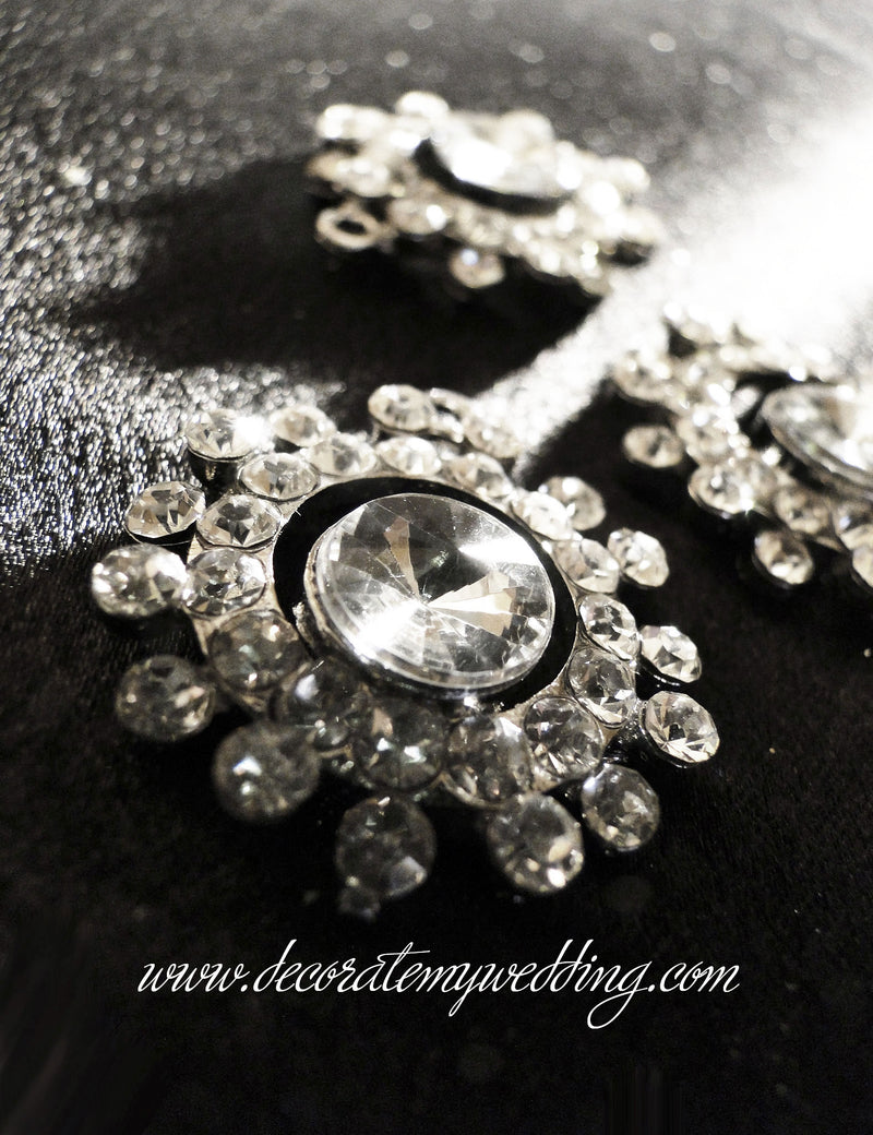 A close up look at the rhinestone embellishment.