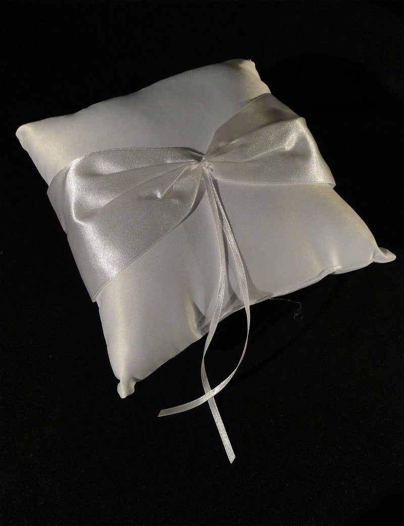 BOXES, BOOKS, BASKETS, PILLOWS - The Wedding Ring Pillow