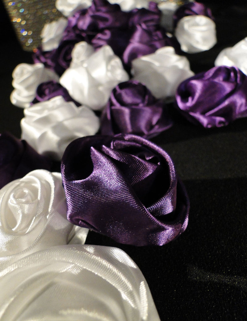 DIY FLORAL ACCENTS Silk Rosebuds (sold individually)
