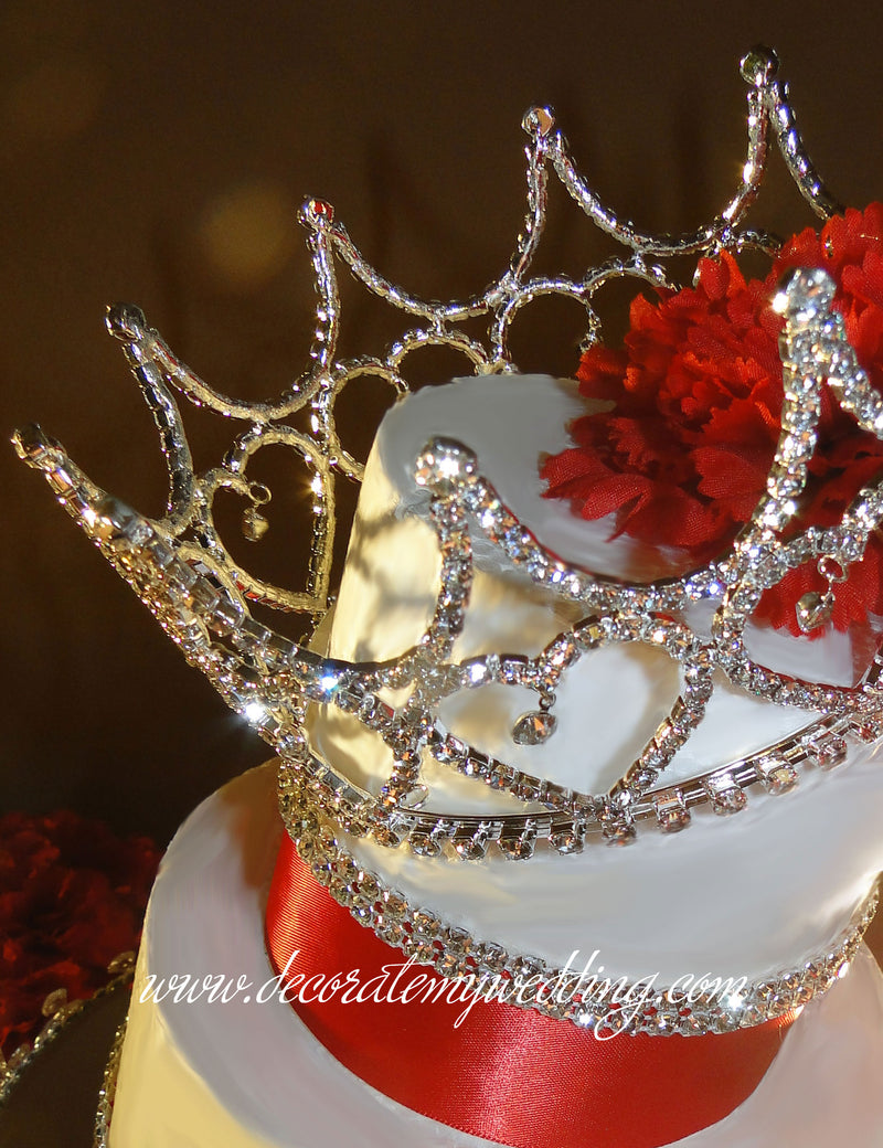 The cake crown is positioned at an angle creating a sassy attitude.