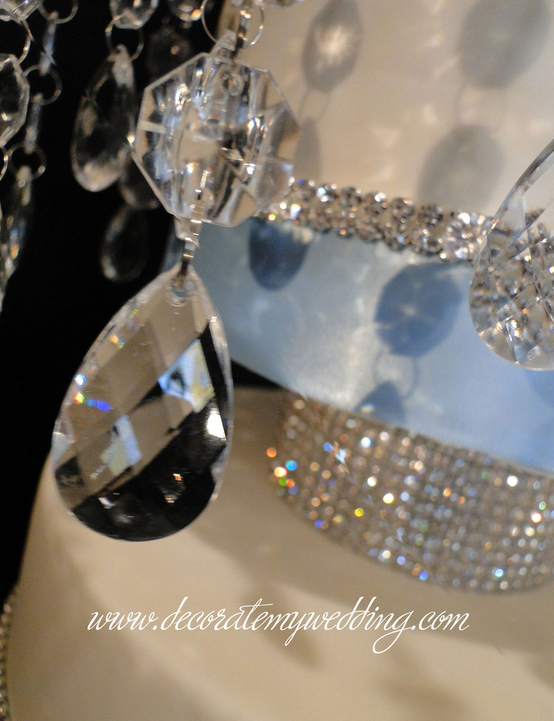 A close up look at the gorgeous sparkle of the Swarovski rhinestones.