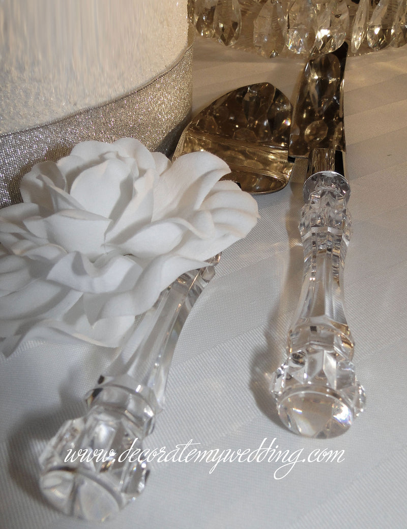This crystal wedding cake knife set include a knife and cake server.