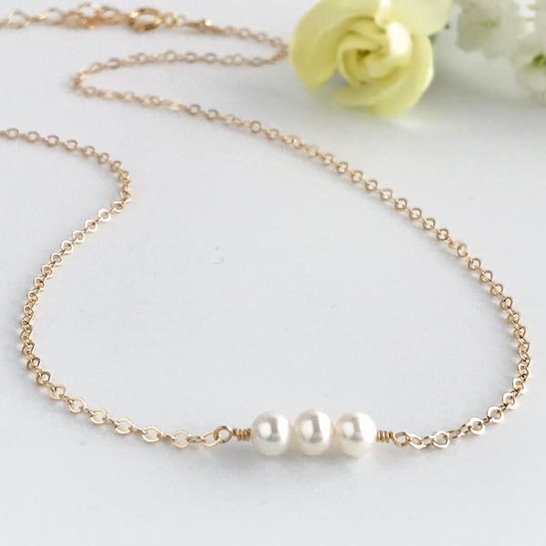 Simple Pearl Choker Necklace - June Birthstone