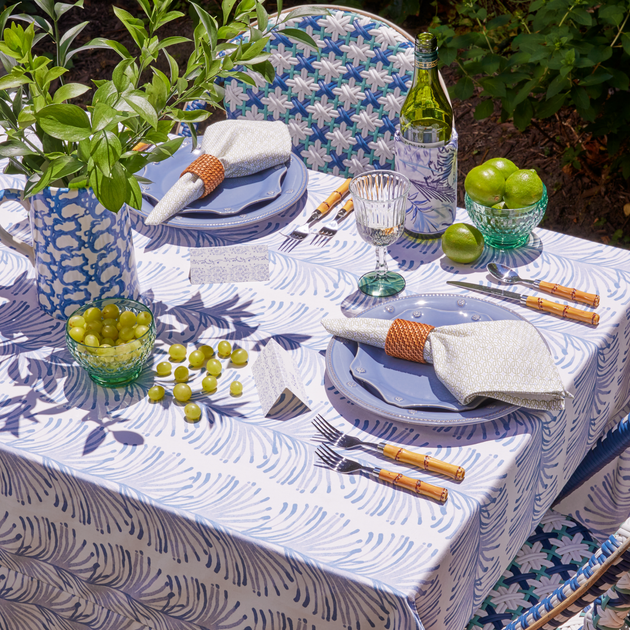Custom Tablecloths: The Measurement Guide