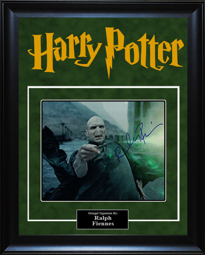 """Harry Potter"" - Ralph Finnes Signed 8x10 Photo"