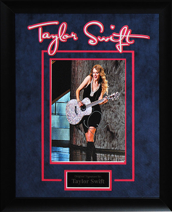 Taylor Swift - Signed 8x10 Photo