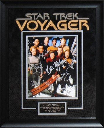 Star Trek-Voyager – Cast Signed Photo