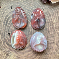 Large Agate Vulva/Yoni Carving