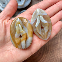 Small Agate Vulva/Yoni Carving