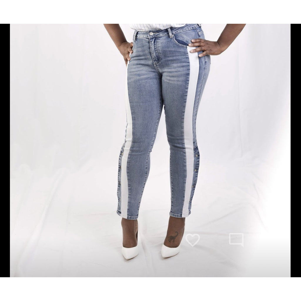 Snap Button Skinny Jeans
