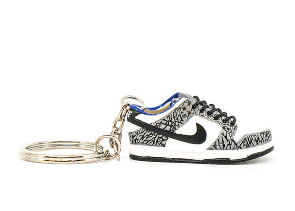 supreme dunk low white keychain
