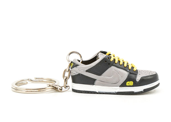 alphanumeric dunk low keychain