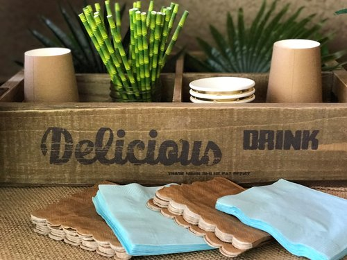 Delicious drink tray with brown paper cups and faux bamboo paper staws