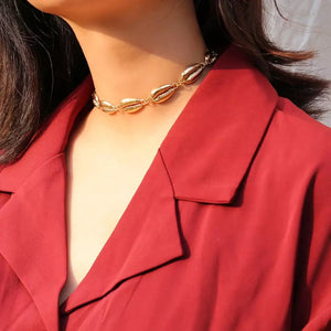 cowry shells gold choker necklace edgability model view