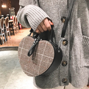 heart shaped bag plaid box bag edgability model view