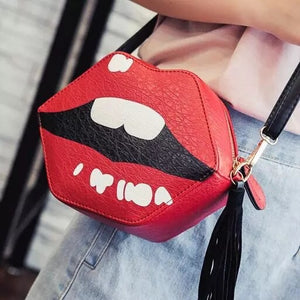 lips bag kiss bag sling bag edgability model view