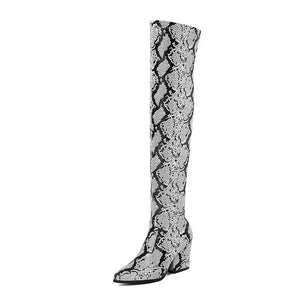 trendy knee high snakeskin grey boots with heels edgability