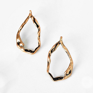 rose gold hoops earrings edgability front view
