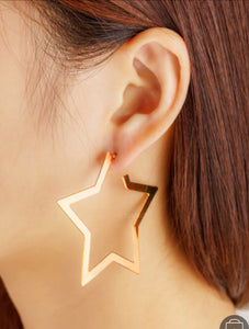 star hoops gold earrings edgability model view