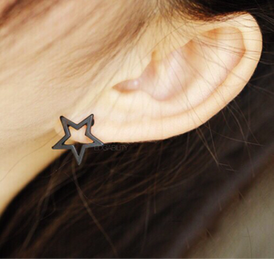 gold star frame earrings studs edgability model view