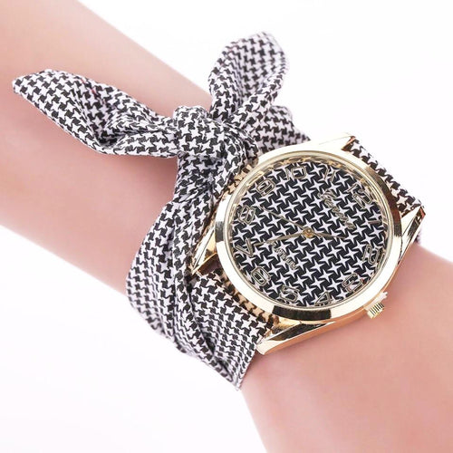 houndstooth scarf black white watch edgability model view