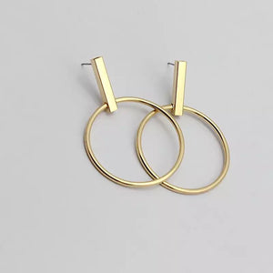 gold earrings drop earrings edgability angle view