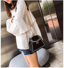 black bag sling bag triangle bag edgability model view