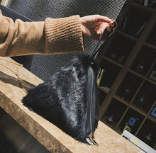 fur bag black bag triangle bag edgability model view