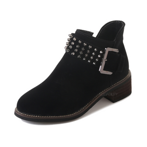 black boots with rivets edgability
