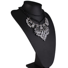 statement necklace layered necklace edgability model view