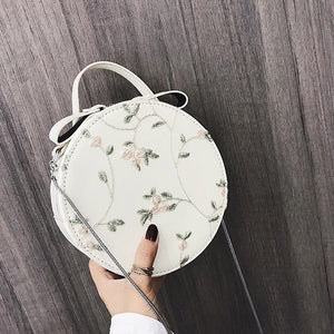 embroidered bag box bag round bag edgability front view