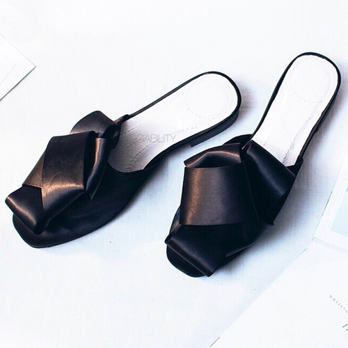 classy bow black flats top view edgability