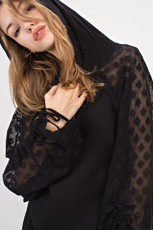 Sweater Hoodie with large lace sleeve - Black