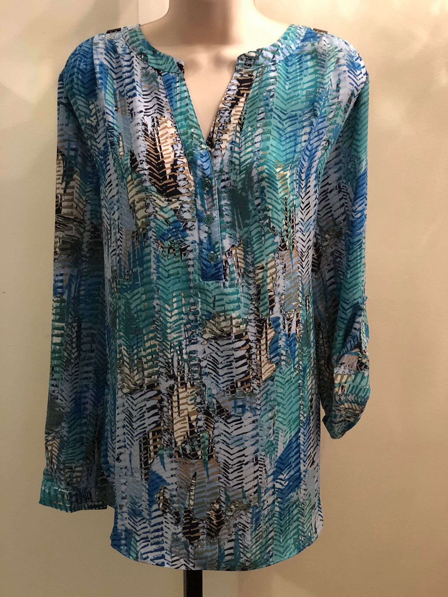 Curvy Teal Blue print top - M C and J