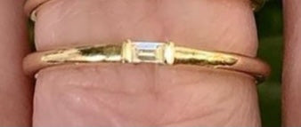 Plain Gold Baguette Ring