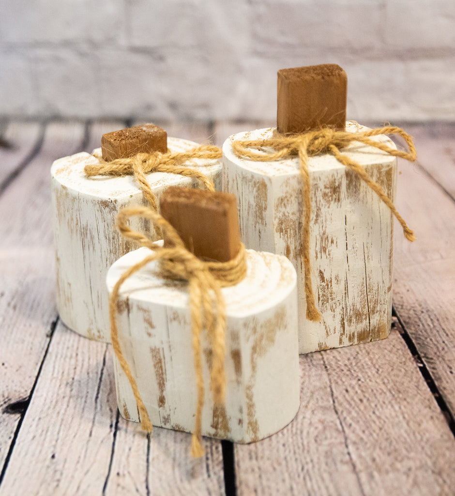 RUSTIC WHITE WOOD PUMPKIN TRIO