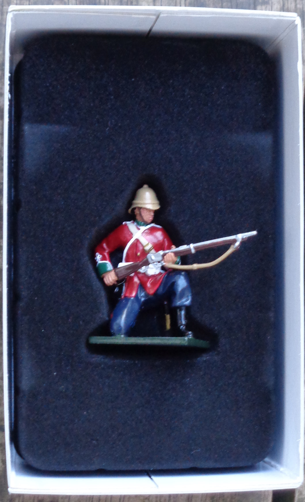 WILLIAM BRITAINS BOXED 54mm GLOSS FIGURE 24th REGIMENT