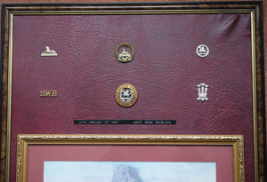 LARGE FRAMED DISPLAY OF ISANDLWANA PRINT AND SOUTH WALES BORDERERS BADGES